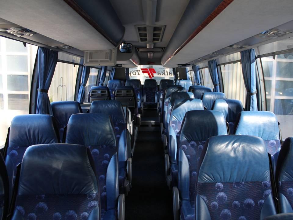 Bussi sisältä